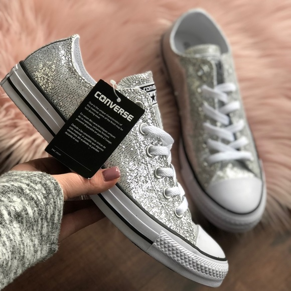 Converse Shoes - ✨converse low top sparkly sneakers
